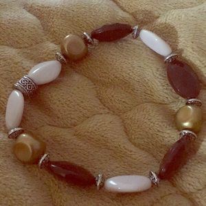 Jewelry - Cream and brown lightweight stretch bracelet